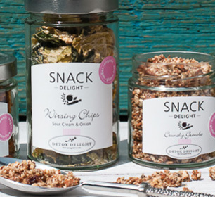 Detox Delight Snack Delight with Wirsing Chips and Crunchy Granola